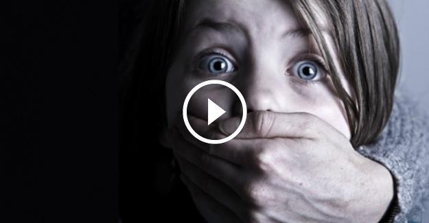 Bakın Kız Çocukları Nasıl Kaçırılıyor LÜTFEN paylaşın herkes çocuğuna sahip çıksın...
